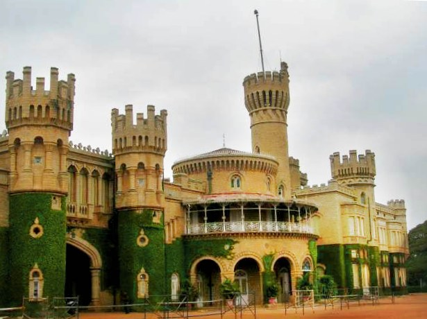 File:Bangalore Palace.jpg